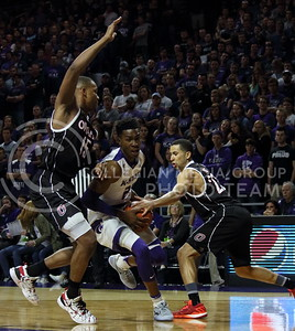 Senior forward Wesley Iwundu takes the ball to the basket during the K-State basketball game against the University of Nebraska-Omaha in Bramlage Coliseum on Nov. 15, 2016. (Miranda Snyder | The Collegian)