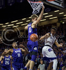 Sophomore guard Kamau Stokes passes the ball to a teammate during the K-State game against TCU in Bramlage Coliseum on Feb. 1, 2017. (Nathan Jones | The Collegian)