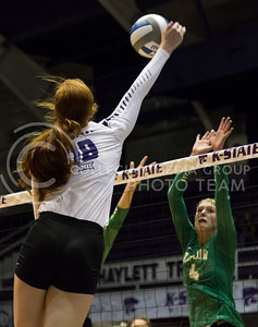 Junior opposite hitter Bryna Vogel puts the ball over the net during the K-State volleyball match against Baylor in Ahearn Field House on Oct. 29, 2016. (Nathan Jones | The Collegian)