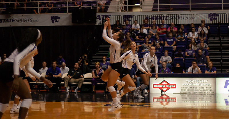 With her eyes on the ball Senior Zsofia  Gyimes runs to set it for a kill during the Oregon State game (Rowan Jones | Collegian Media Group)