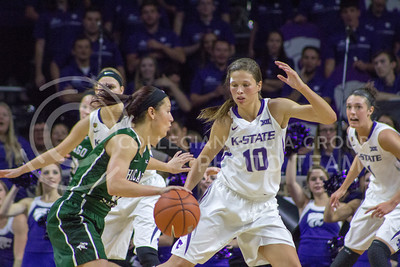 Sophomore guard Kayla Goth plays defense at the K-State game against Chicago State in Bramlage Coliseum on Nov. 11, 2016. (Maddie Domnick   The Collegian)