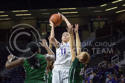 Freshman forward Peyton Williams shoots the ball at the K-State game against Chicago State in Bramlage Coliseum on Nov. 11, 2016. (Maddie Domnick   The Collegian)