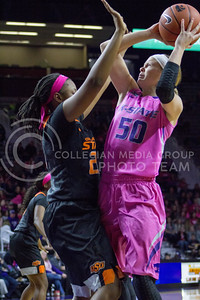 Junior guard Shaelyn Martin goes for a layup during the K-State game against Oklahoma State in Bramlage Coliseum on Jan. 28, 2017. (Maddie Domnick | The Collegian)
