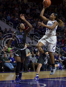 Junior guard Karyla Middlebrook makes a shot on the basket during the K-State game against TCU in Bramlage Coliseum on Jan. 18, 2017. (Nathan Jones | The Collegian)