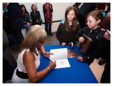 Christine Cowley -The Gift- Book Launch 009