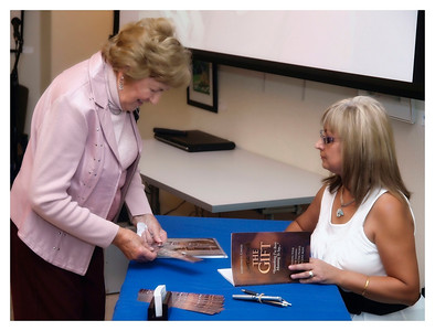 Christine Cowley -The Gift- Book Launch 020