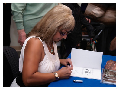 Christine Cowley -The Gift- Book Launch 004