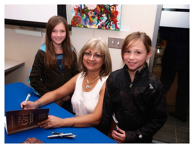 Christine Cowley -The Gift- Book Launch 010