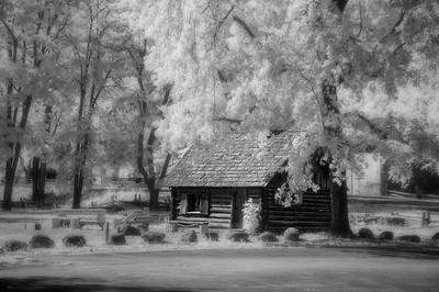 Mormon Cabin, Coloma