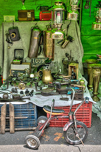 The  Old  junk  shop