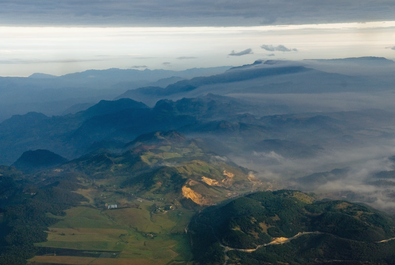 Just leaving the Bogota plateau, to the right, very early in the morning.