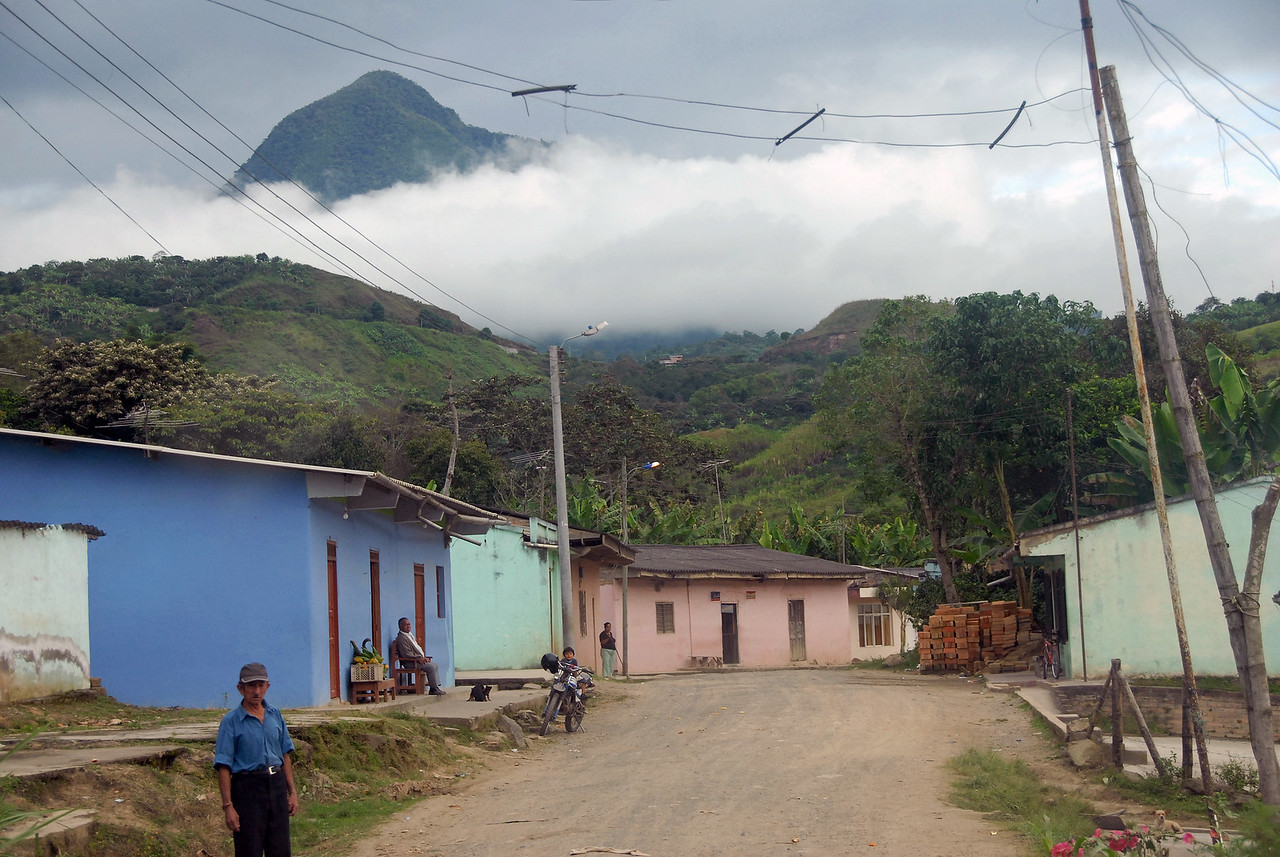 The road turns to dirt as we enter Nariño, a poorer state.  We will rise above the clouds.