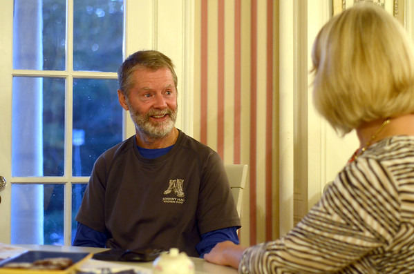 Colonel Donald Fallin stops at Harbour House Inn while hiking the Appalachian Trail - 101418