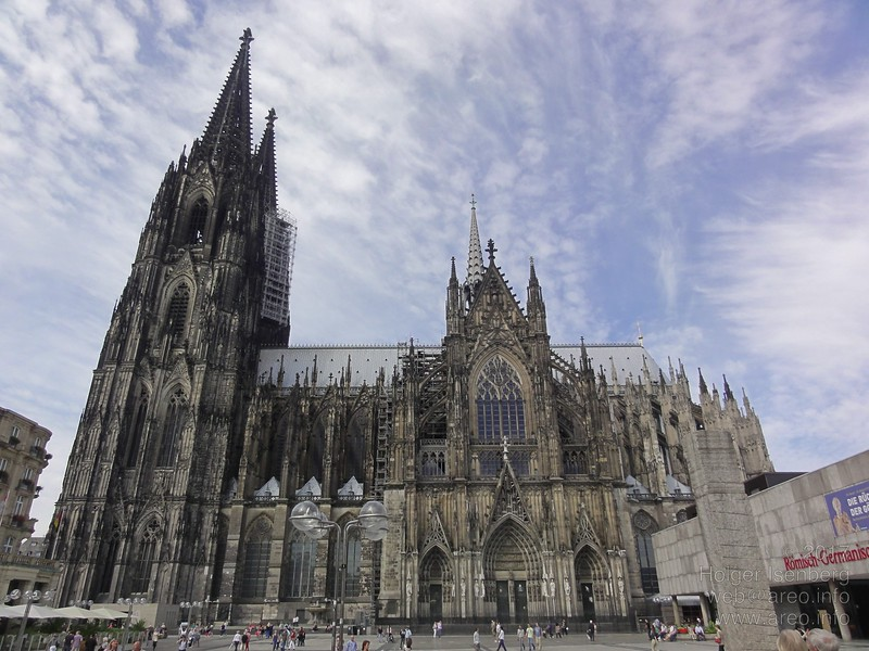 Cologne Cathedral. The museum on the right was build around the Dionysos floor mosaic.
