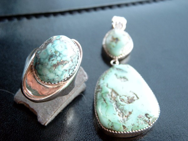 Turquoise ring and pendant.