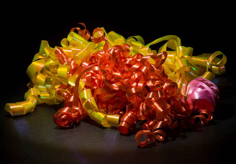 Decrative bows. Gift wrap.