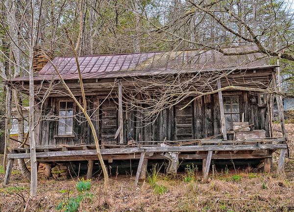 Old Hwy 2 Cabin