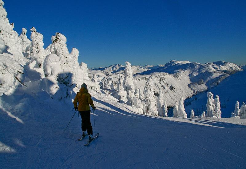 skiing Eagle Crest peak
