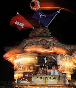 Dashi (car) spinning at the Suwa Shrine festival, Katase, Fujisawa.