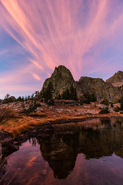 Streaky Sunset at Minaret Lake