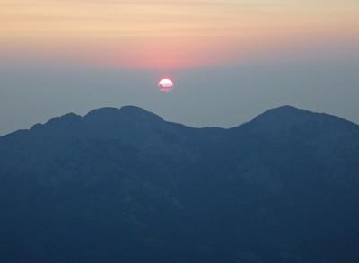 Twin Sisters Sunrise (Image courtesy of  Kurt Hansen)