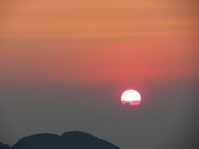 Sunrise over Twin Sisters north peak
