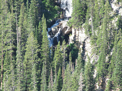 Zooming in on Martensia Falls