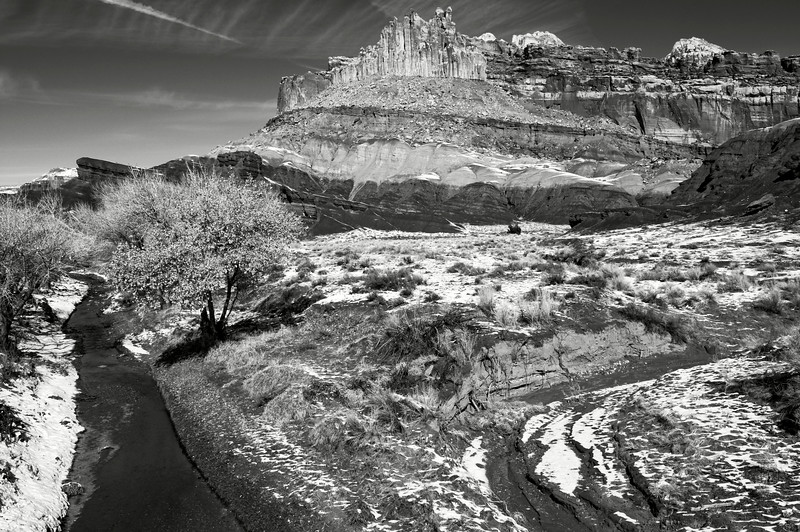 """Vue de la barre rocheuse surnommée """"The Castle"""" à l'intérieur de Capitol Reef National Park. Plateau du Colorado/Utah/USA"""