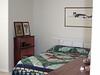 09/2004 Guest room