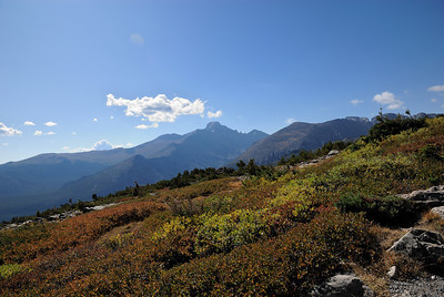 The upper tundra was definitely showing fall colors.