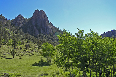 As we headed up the trail, you could see some of the rock formations that were popular with the climbers.