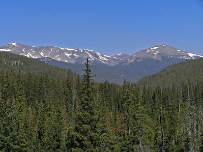 The elevation gain also provides for some great view of the surrounding country.  Here is a shot looking north into the southern end of the Rawah Wilderness Area.