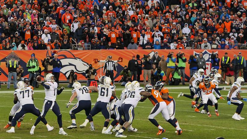 Broncos-51