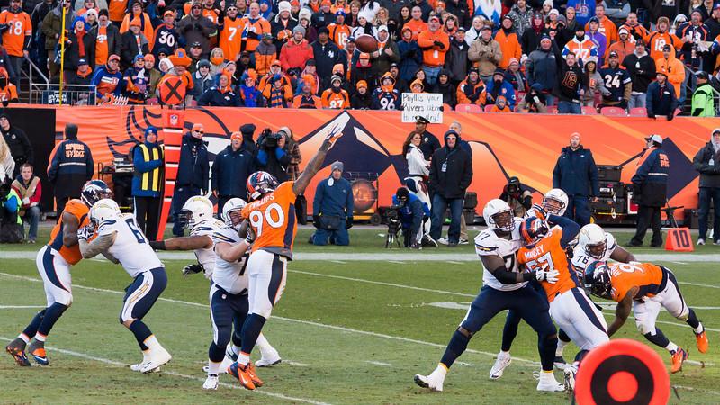 Broncos-12