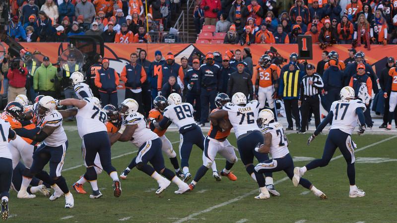 Broncos-59