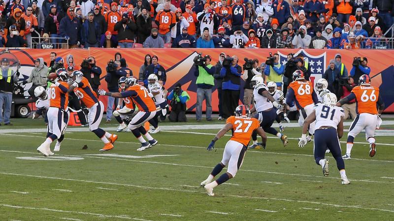 Broncos-54