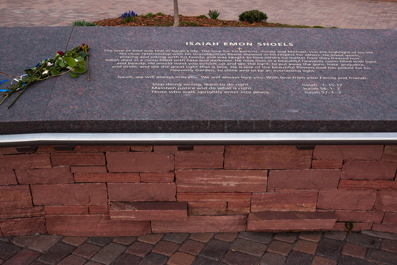 Memorial plaque for Isaiah Emon Shoels, Columbine Memorial