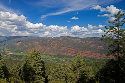 Animas Valley from Animas Overlook Paleozoic redbeds underlying Missionary Ridge