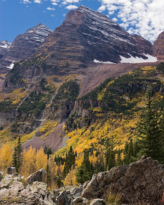 Fall colors - Maroon Bells, Elk Mtns, Colorado Maroon Peak (14,156')left, North Maroon Peak (14,014')right Maroon Formation, Late Pennsylvanian / Permian  Pleistocene glacial hanging valley on upper right A rock glacier is still moving out of the valley.