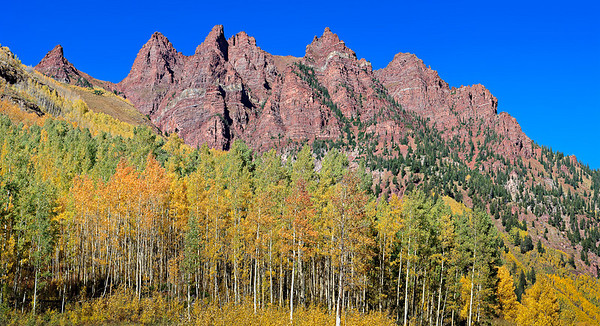 Fall colors on Sievers Mountain, from Maroon Lake 4 vertical image stitch