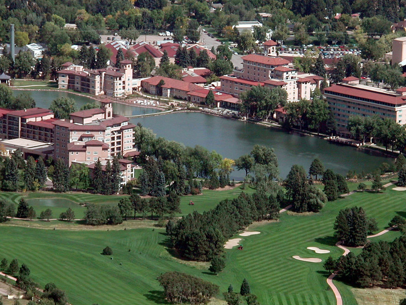 The Broadmoor from Will Rogers Shrine