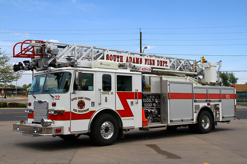 Truck 22 - 2009 Pierce Arrow XT with a 500 gallon water tank, 1500 gpm pump & 75' aerial