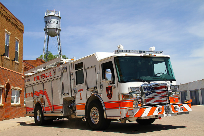 La Salle Engine 3101 - 2013 Pierce Dash CF PUC with a 1,000 gallon water tank & 1,500 gpm pump