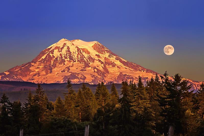 Super Moon at Mount Rainier