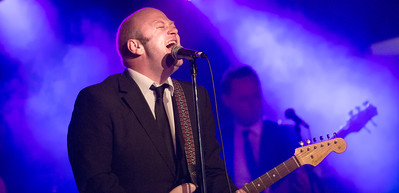 Andrew Strong & The Commitments @ Entrance Leagues