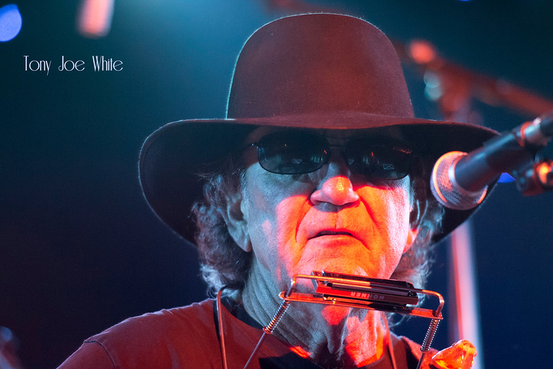 11Tony Joe White - Bluesfest 2015 Photo by John Snelson AJS_0899_4024