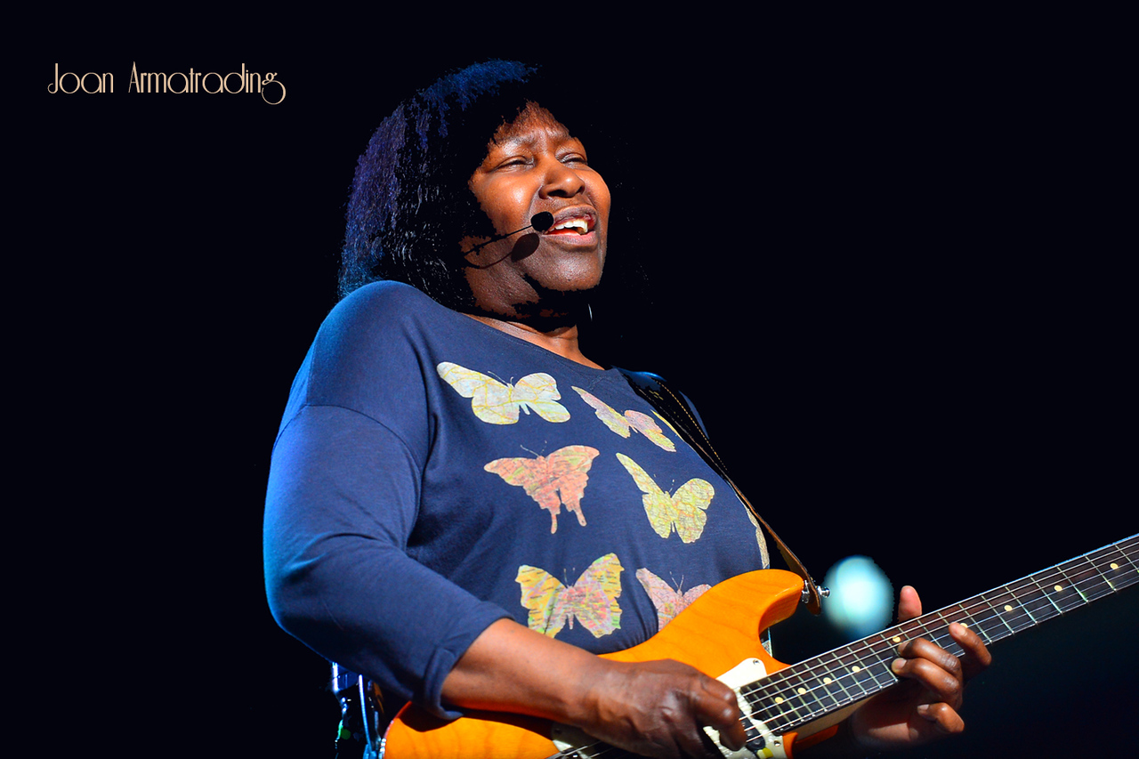 06Joan Armatrading - Photo by John Snelson AJS_4708