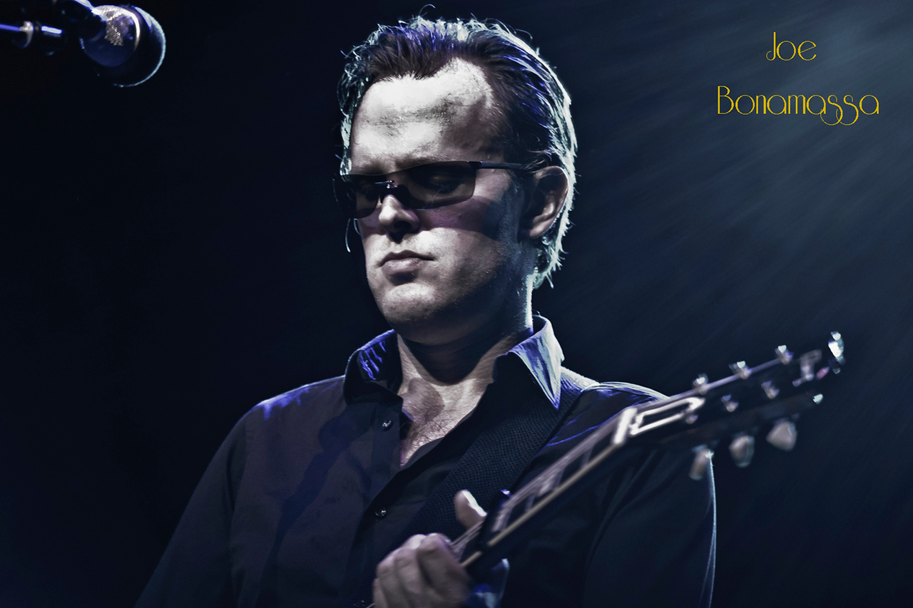 28Joe Bonamassa - Photo by John Snelson AJS_3730