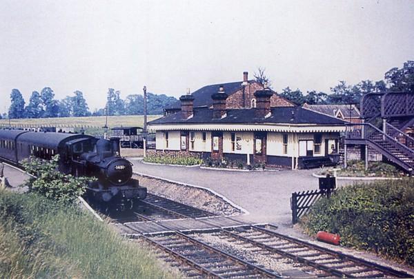 1431 Berkeley Road station GW side (former Mid+GWR station) Collett 1400 class