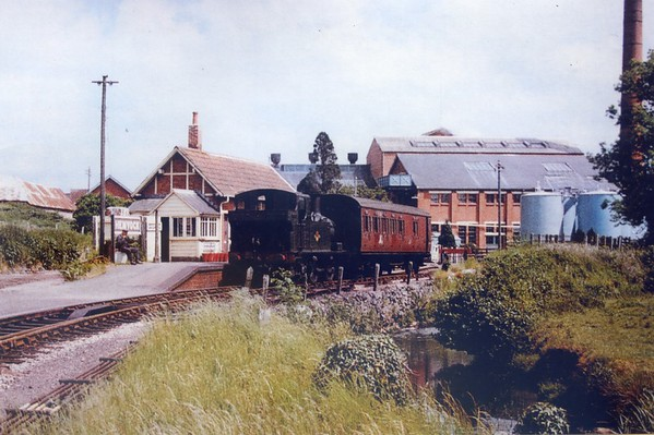 1451 Hemyock alongside the dairy 15th June 1962 Collett 1400 class